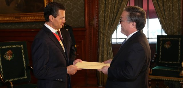 Ambassador B.Altangerel presents Credentials to President Pena Nietod